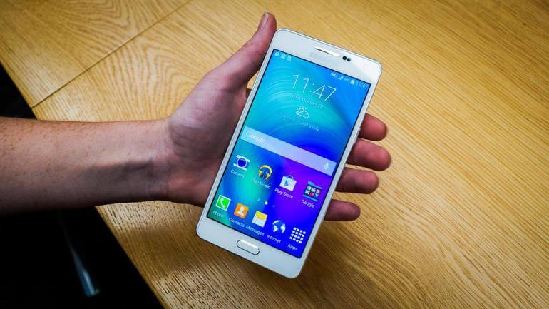 En ince Samsung telefonu Galaxy A8'in özellikleri belli oldu! + Video 1