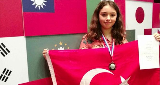 Türk gencinin yaptığı robot dünya 2.'si oldu!