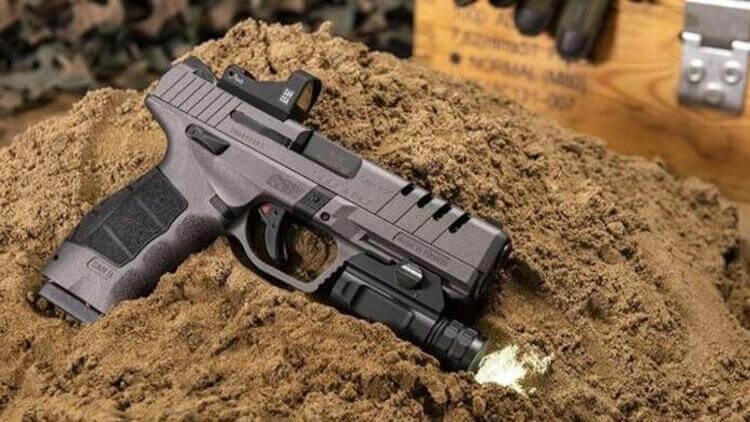 ABD'de SAR 9X en iyi tabanca seçildi! 1